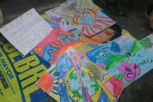 Jhalanie's works sold for P50 each. Photo courtesy of Mae Catibog.